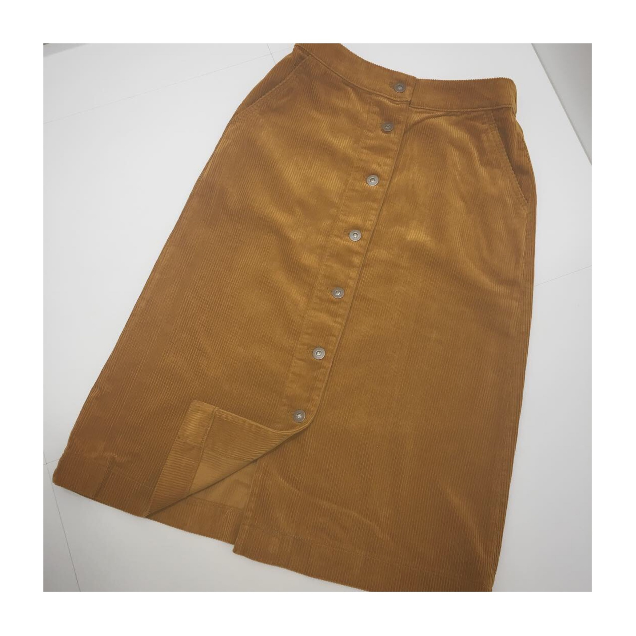 《今季トレンド❤️》【UNIQLO】のコーデュロイフロントボタンスカートが使える!☻_2