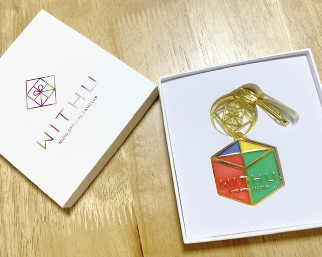 【NiziU】のファンクラブ初回特典アイテムが届きました♩_3