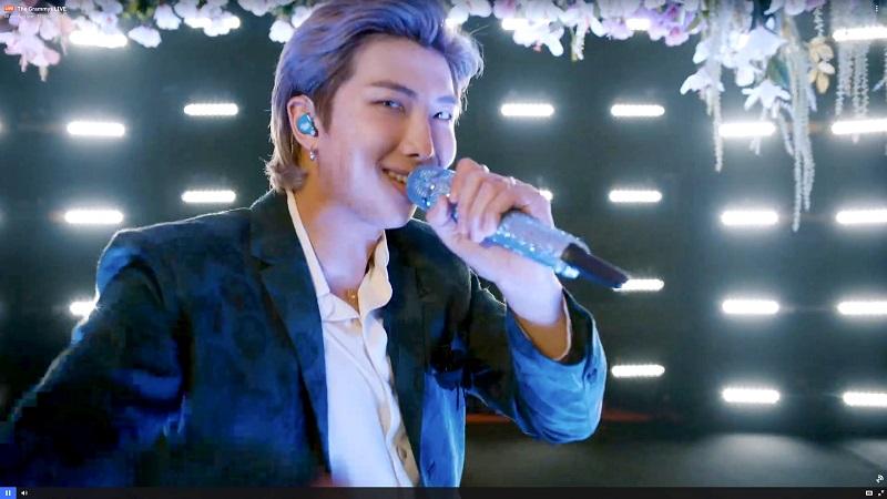 BTS、グラミー賞でのパフォーマンス。RM